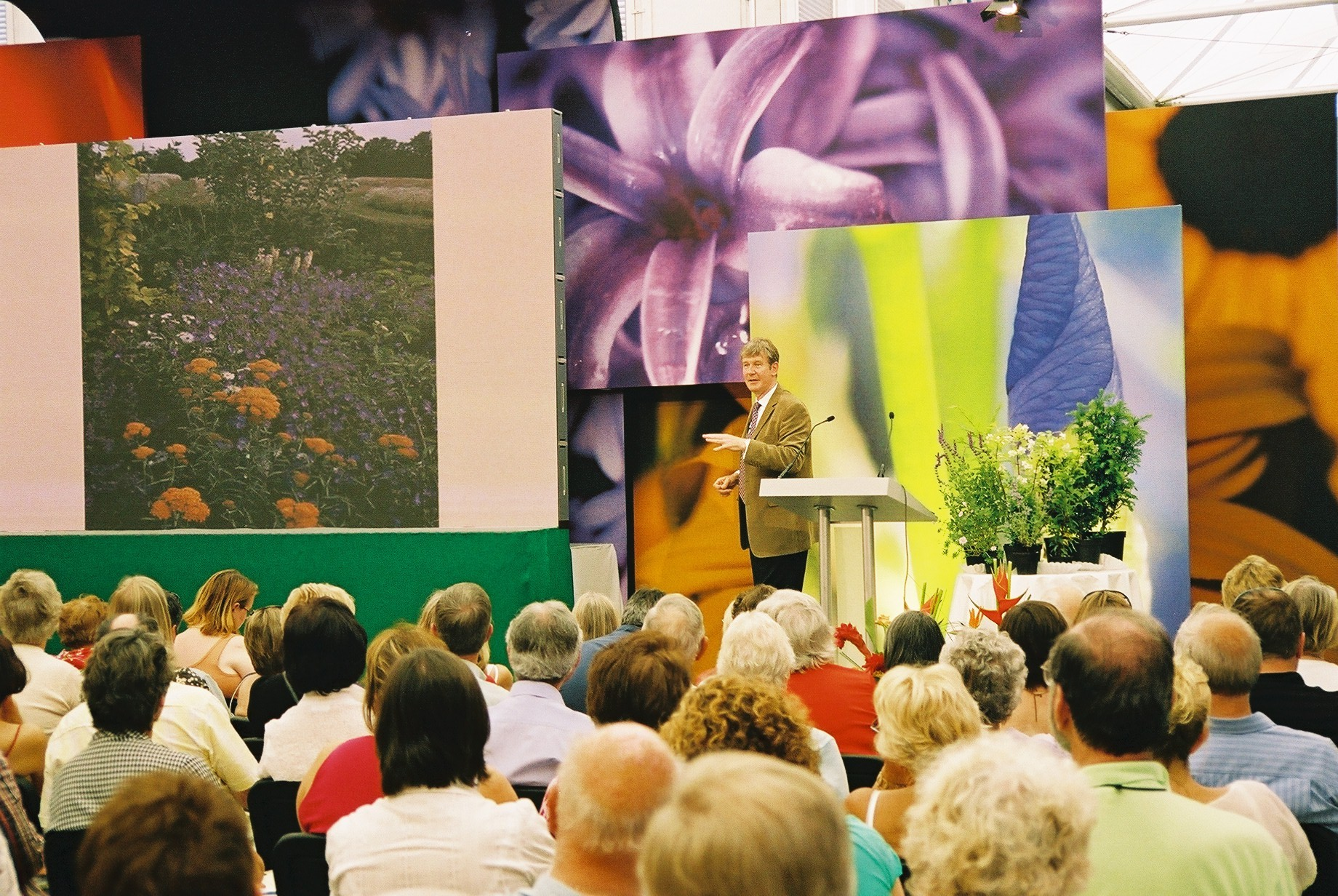 Roger Platts - Garden Talks, Industry Speakers, Events, Visits, Tours.
