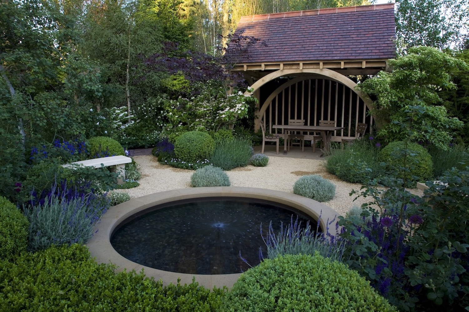 people's choice' goes to m&g garden - roger platts garden design and