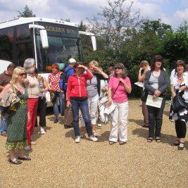 Garden Tour visiting Leydens in edenbridge, Roger opens his private