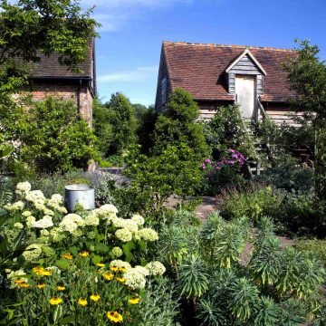 quintessentially English garden design