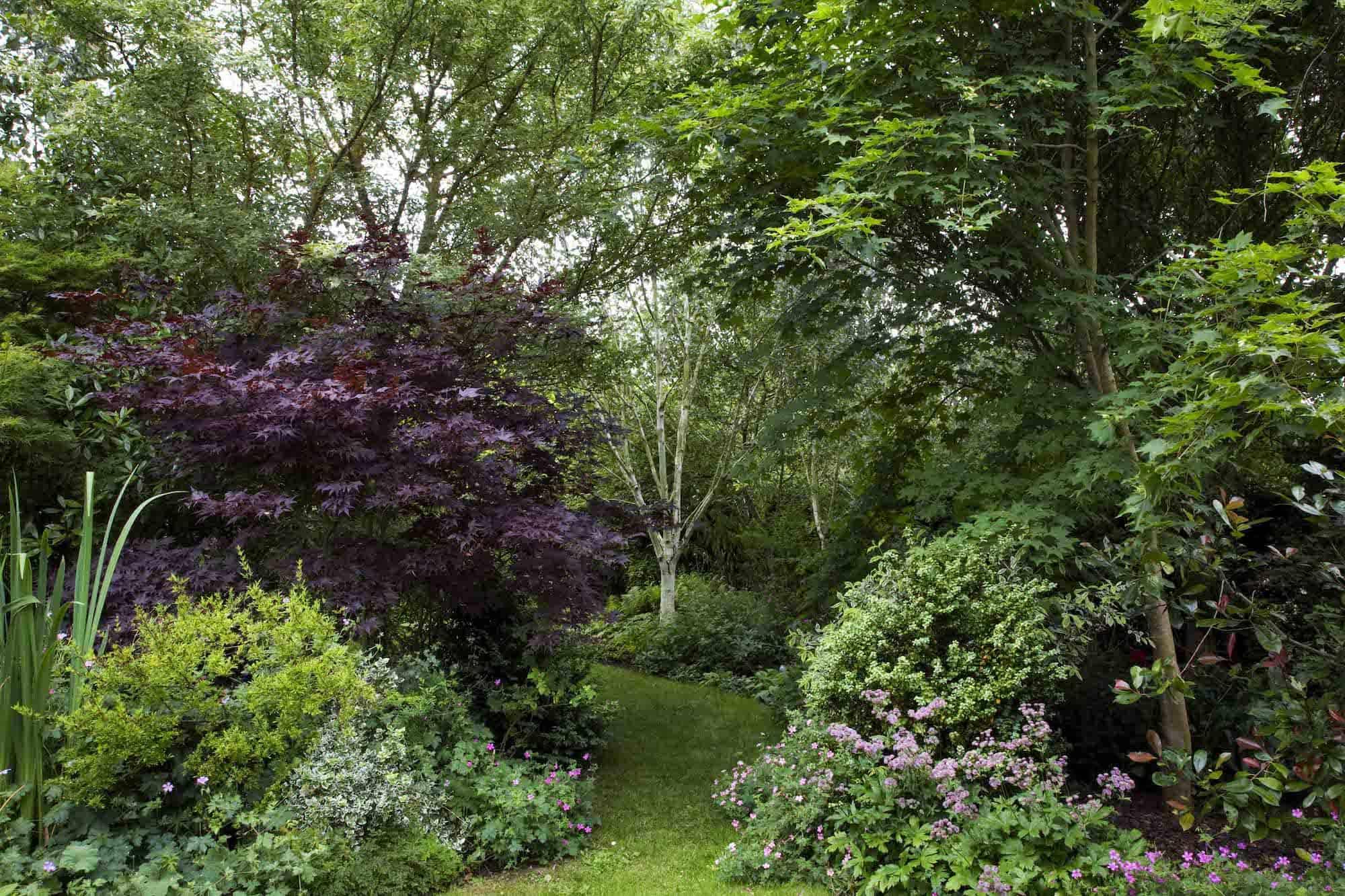 Traditional English Garden Design by Roger Platts