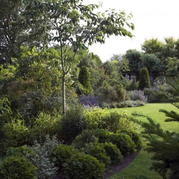 Traditional English Garden Design by Roger Platts